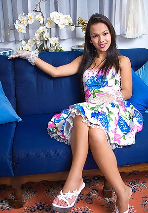 Naked Asian ladyboy Amy is easy on eyes and has perfect big tits