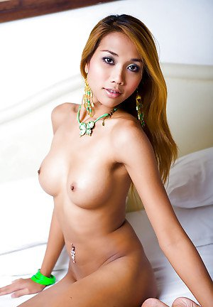 Big boobed ladyboy Moo toys her anus while jerking off shemale cock