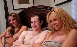 Slutty bitches Delilah Strong and Gia Darling having in a threesome