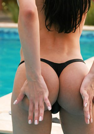 Luscious brunette Latina shemale Natalia getting freaky by the pool
