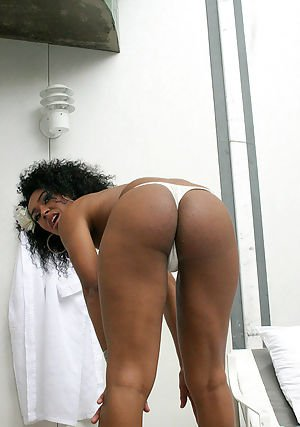 Beautiful shemale is the suck each other 3