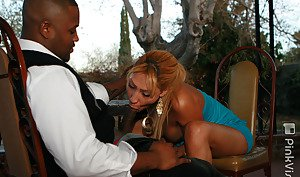 Experienced Latina tranny Marina Fuentes giving head to a BBC outdoors
