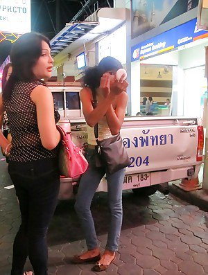 Sexy Thai shemales walking public streets looking for sex dates