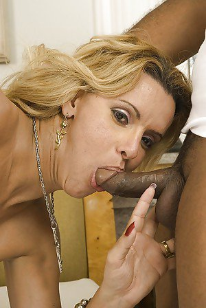 Interracial deepthroat scene with Latina tgirl Adriela Vendromine