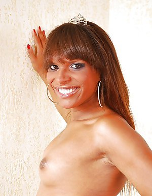 Pretty ebony solo tranny Melaine Campbel releasing big cock from panties