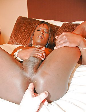 Ebony transsexual Chocolate spreading to masturbate massive black cock