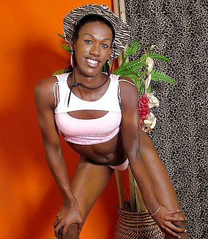 Ebony shemale Jessica Spinelly lets huge BBC loose while posing solo
