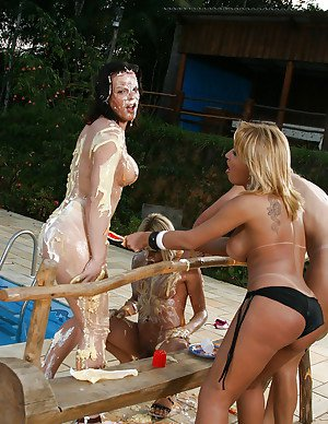 Outdoor shemale on shemale action poolside with Aline Santos and trans gfs